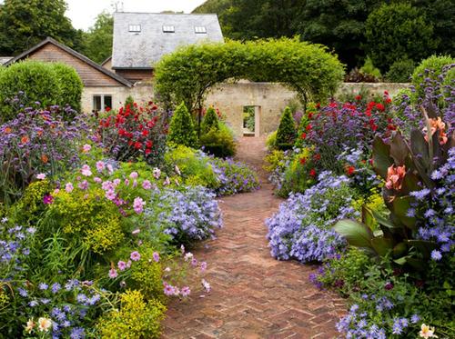 SUPERBACANA!  Blog · Il giardino rustico